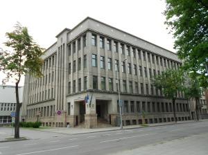Jak mi powiedział Tautvydas, z tego budynku widać było Syberię - mieściła się tu siedziba KGB :)